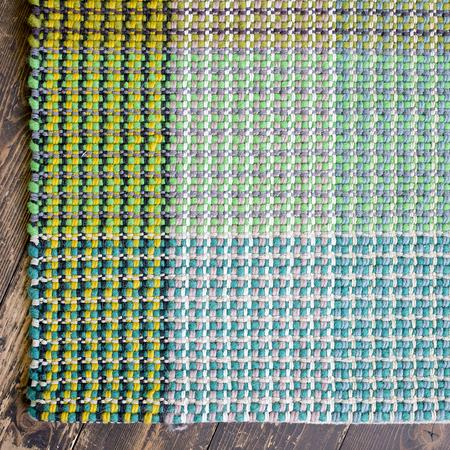 handgewebter teppich 39 glory 39 mit karomuster. Black Bedroom Furniture Sets. Home Design Ideas