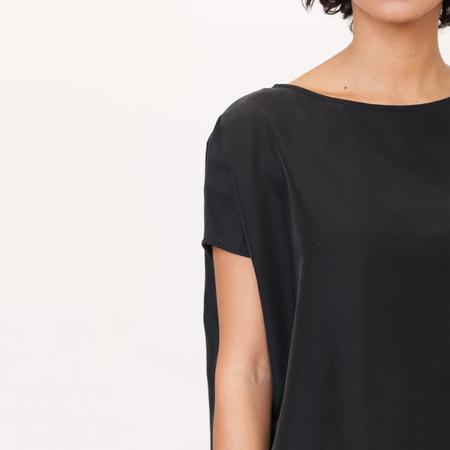 Aline beaumont organic modal top in black 5