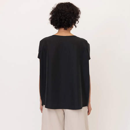 Aline beaumont organic modal top in black 4