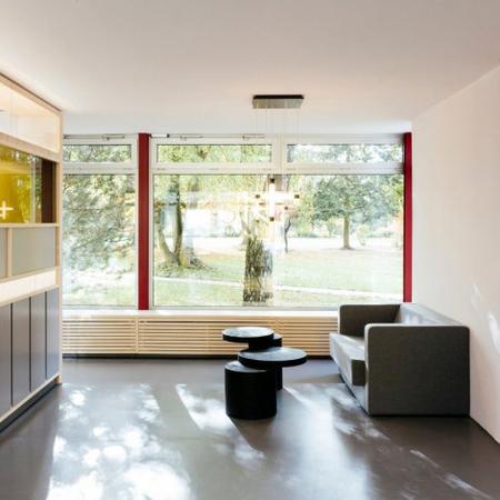 beistelltisch 39 k8 39 mit stauraum. Black Bedroom Furniture Sets. Home Design Ideas
