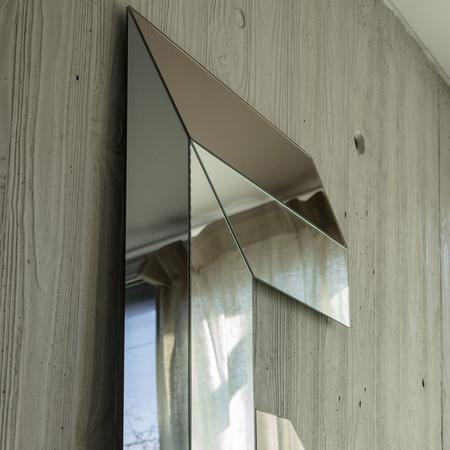 Mogg mirrors letteronza 06