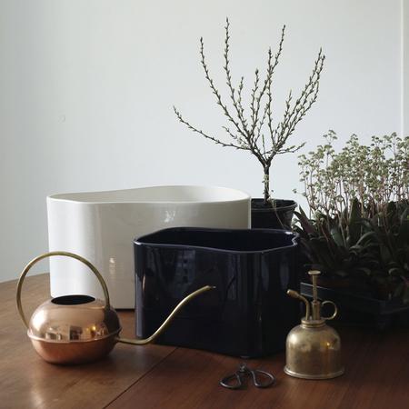 Riihitie plant pot a large white b medium blue 4 1863232