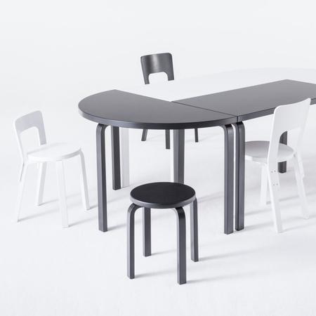 halbrunder tisch von alvar aalto. Black Bedroom Furniture Sets. Home Design Ideas