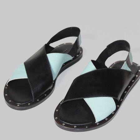 Zweifarbige Leder-Sandale in Schwarz/Mint