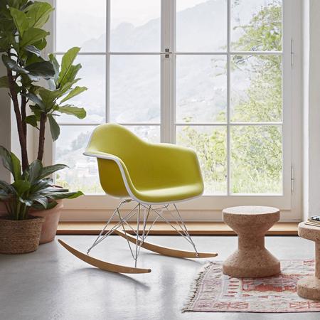 Schaukelstuhl Eames Plastic Armchair RAR Vollpolster Vitra