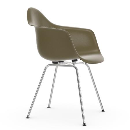 Eames Fiberglass Armchair DAX Vitra