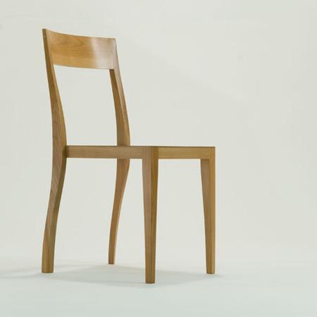 Flankenschnitt-Stuhl F01