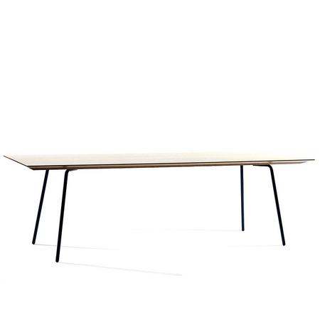 Filigraner Tisch Paper