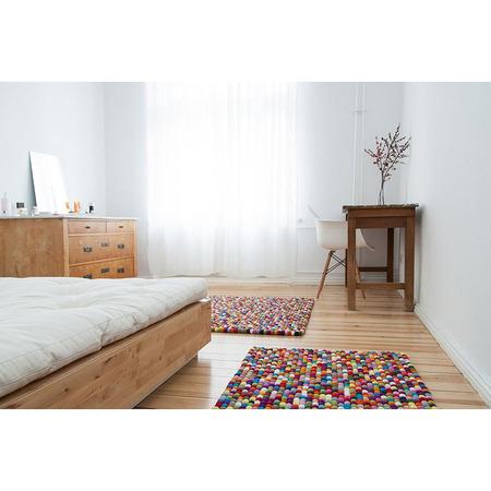 01filzkugel teppich mehrfarbig eckig lotte 003