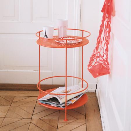 beistelltischchen f r drinnen und draussen. Black Bedroom Furniture Sets. Home Design Ideas