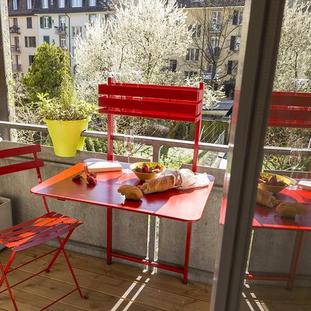 praktischer balkon klapptisch 39 bistro 39. Black Bedroom Furniture Sets. Home Design Ideas