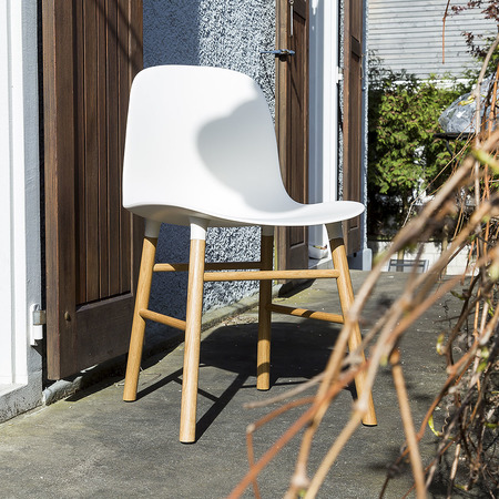 02 normanncopenhagen formchair white