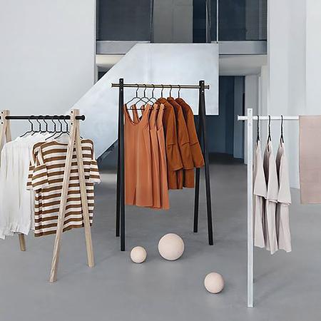 garderobenstange schwarz klein. Black Bedroom Furniture Sets. Home Design Ideas