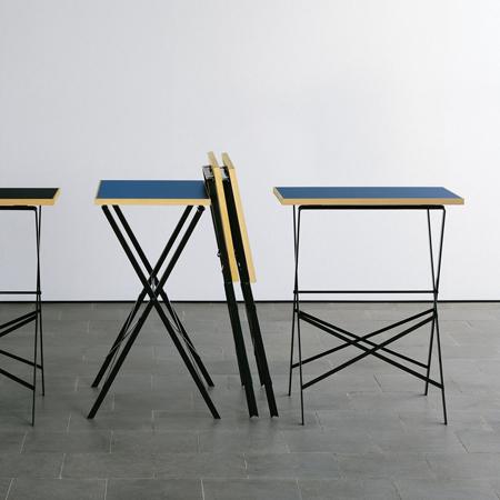 kleiner klapptisch von 39 lehni 39. Black Bedroom Furniture Sets. Home Design Ideas