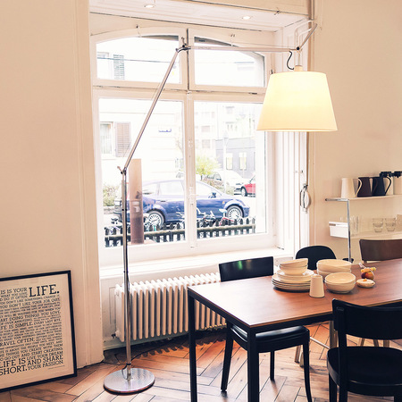 stehlampe 39 tolomeo mega terra 39 aluminium. Black Bedroom Furniture Sets. Home Design Ideas