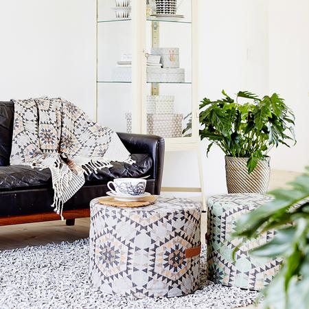 pouf von 39 house of rym 39 grau. Black Bedroom Furniture Sets. Home Design Ideas