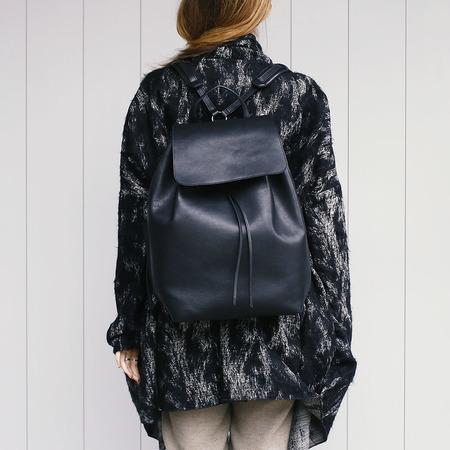 03 yoshiki leder rucksack schwarz