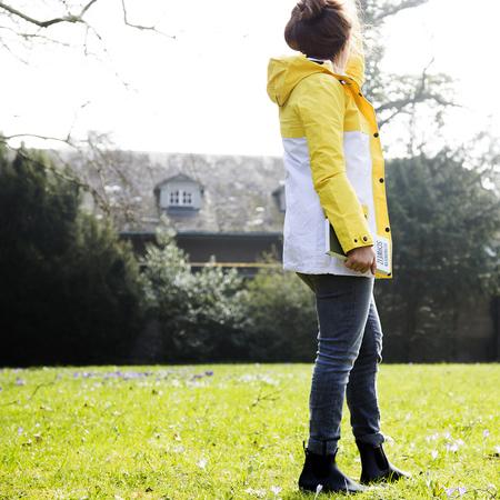 Regenmantel von 39 rukka 39 gelb weiss for Stuhl finnisches design
