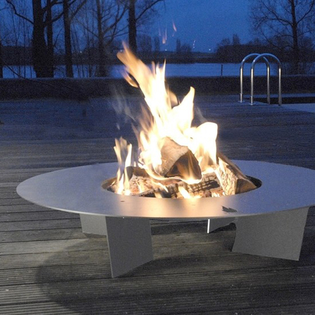 Feuerstelle von Radius Design in Edelstahl 03