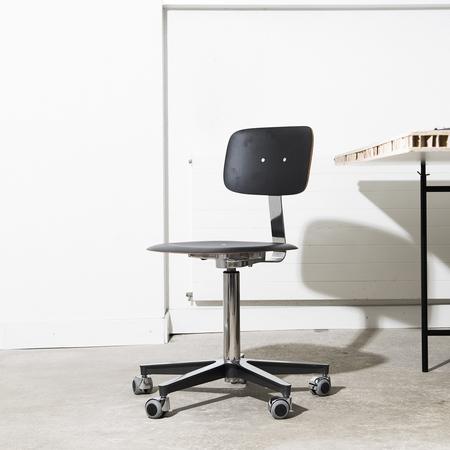 Atelierstuhl e_Stuhl 2100 Embru