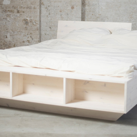 Bett 39 luke 39 mit stauraum for Doppelbett platzsparend
