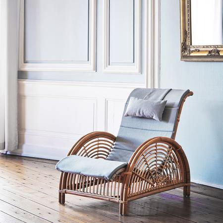 Aj 11 su paris chair with a664 cushion (2)