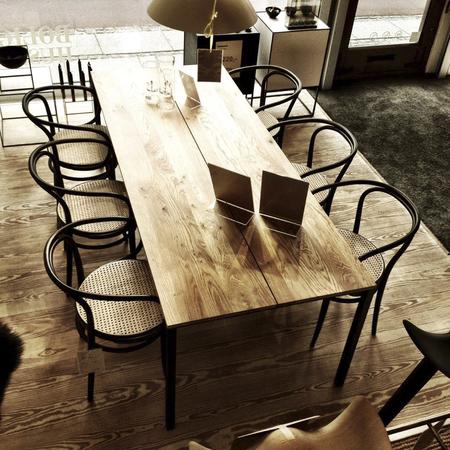 Less is More Tisch DK3