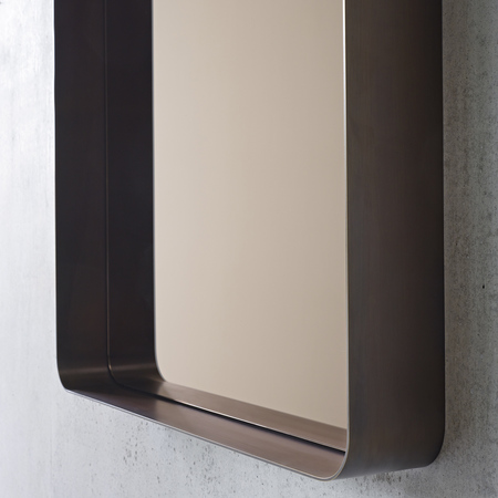 Seelen cypris mirror brass burnished detail