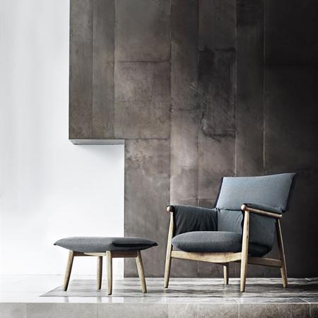Eoos e015 lounge oak fabric e016 footstool oak fabric 600x881