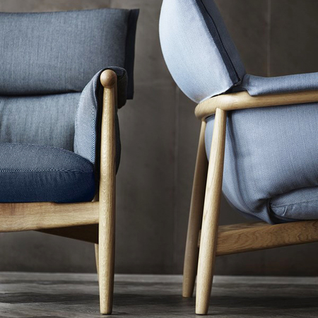 Eoos e015 lounge oak fabric detail 600x828