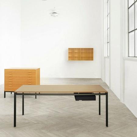 Poul kjaerholm pk52 professors desks in loft carl hansen and son 5059b036 79c4 4d70 a87b 2ab3239cc2ce 1024x1024