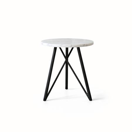 Nutsandwoods side table 01
