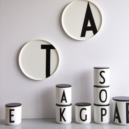Design letters arne jacobsen sfeer 5