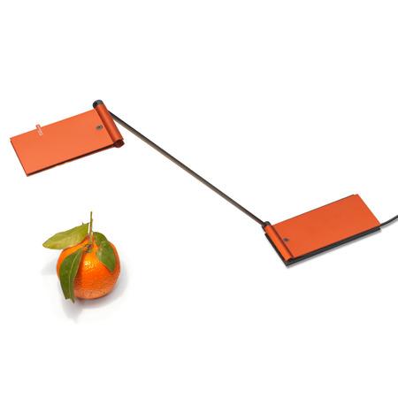 39 zett 39 leselampe in mandarin for Beistelltisch usb