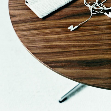 Arne jacobsen piet hein walnut supercicular coffee table closeup fritz hansen 1024x1024