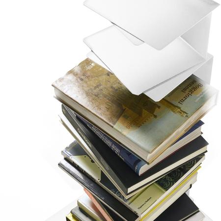 Bücherturm Ptolomeo Art Opinion Ciatti