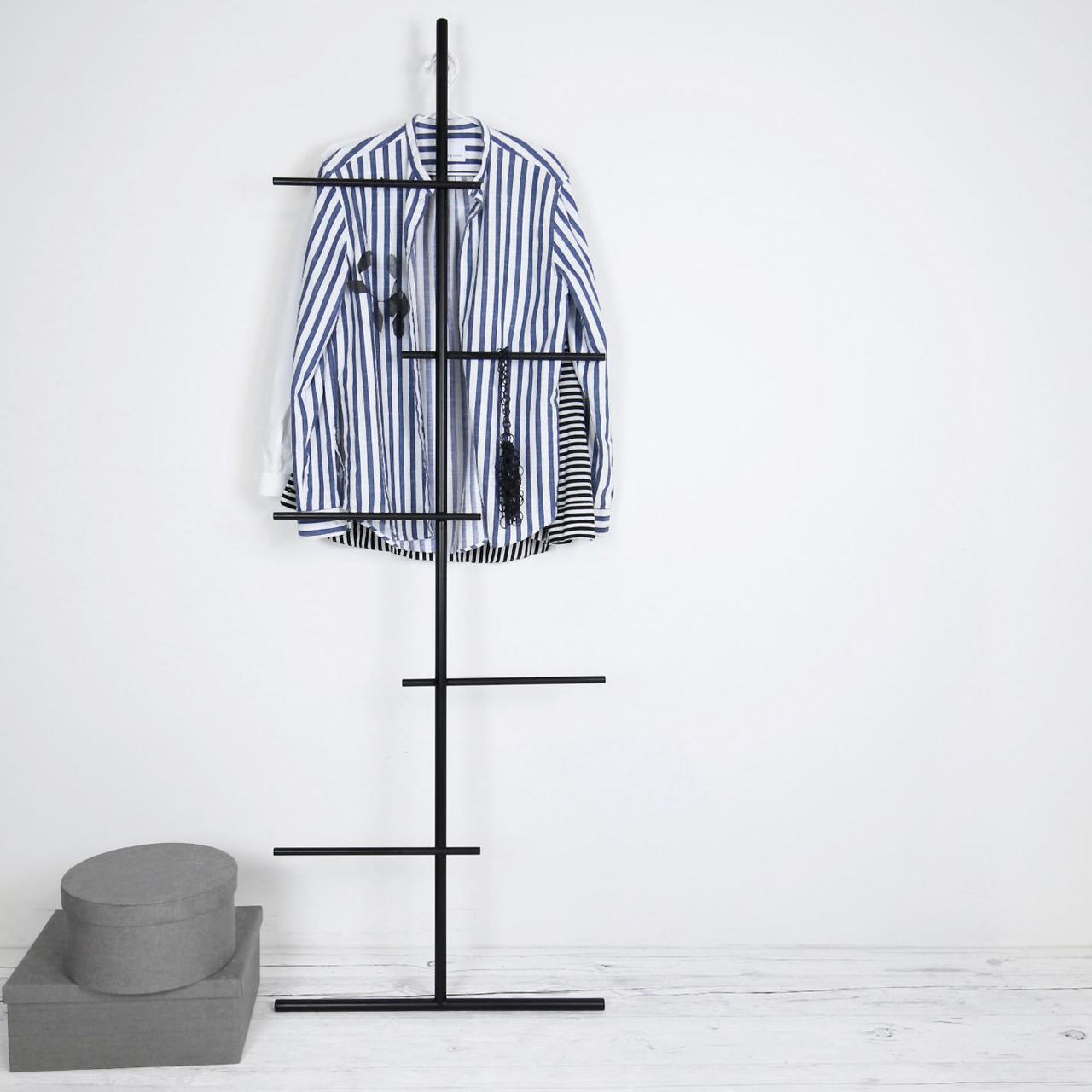 Garderobe Swendra Kommod
