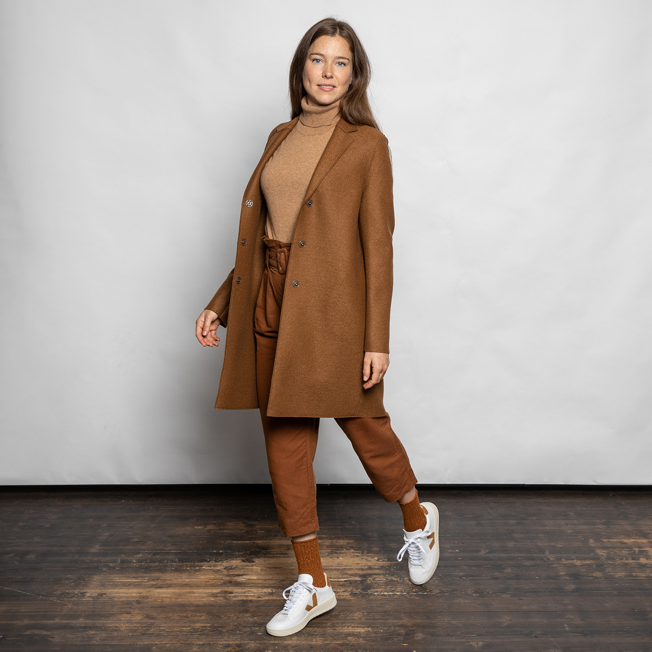 'Veja V-12'-Sneaker mit Camel