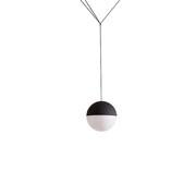 Kunstvolle Pendelleuchte 'String Lights Sphere'