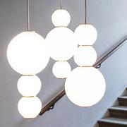 Pearls studio benjamin hopf formagenda 0011 pearls chandelier gold ambiente 03 1140x642
