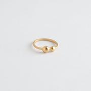 Ring mit Doppelkugel von 'Baiushki'