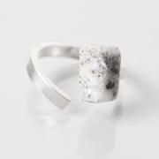 Corian-Ring von 'Laure Tosi'