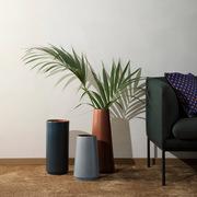 Ferm living dual bodenvase sofa ambiente