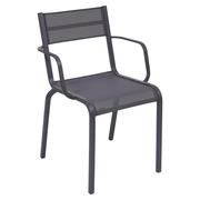 Einzelstücke: Stuhl mit Armlehne 'Oléron' pflaume