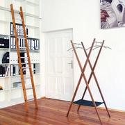 Schoenbuch fold garderobenstaender nussbaum matt arbeitszimmer ambiente
