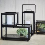 'Lightbox' für Kerzen und Grünes