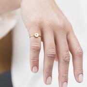 Personalisierbar: Feiner Ring mit Buchstaben