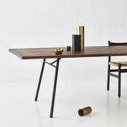 'Corduroy' Tisch eckig aus Wildeiche