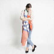 Fairtrade-Schal mit Streifen-Karo rot