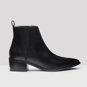 Ula black boots